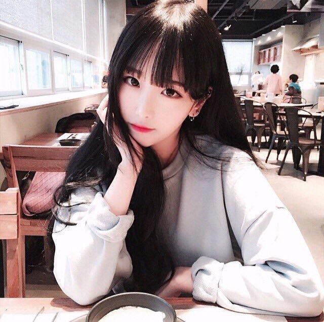 韓国の10代〜20代が愛用する「韓国ファッション通販サイト
