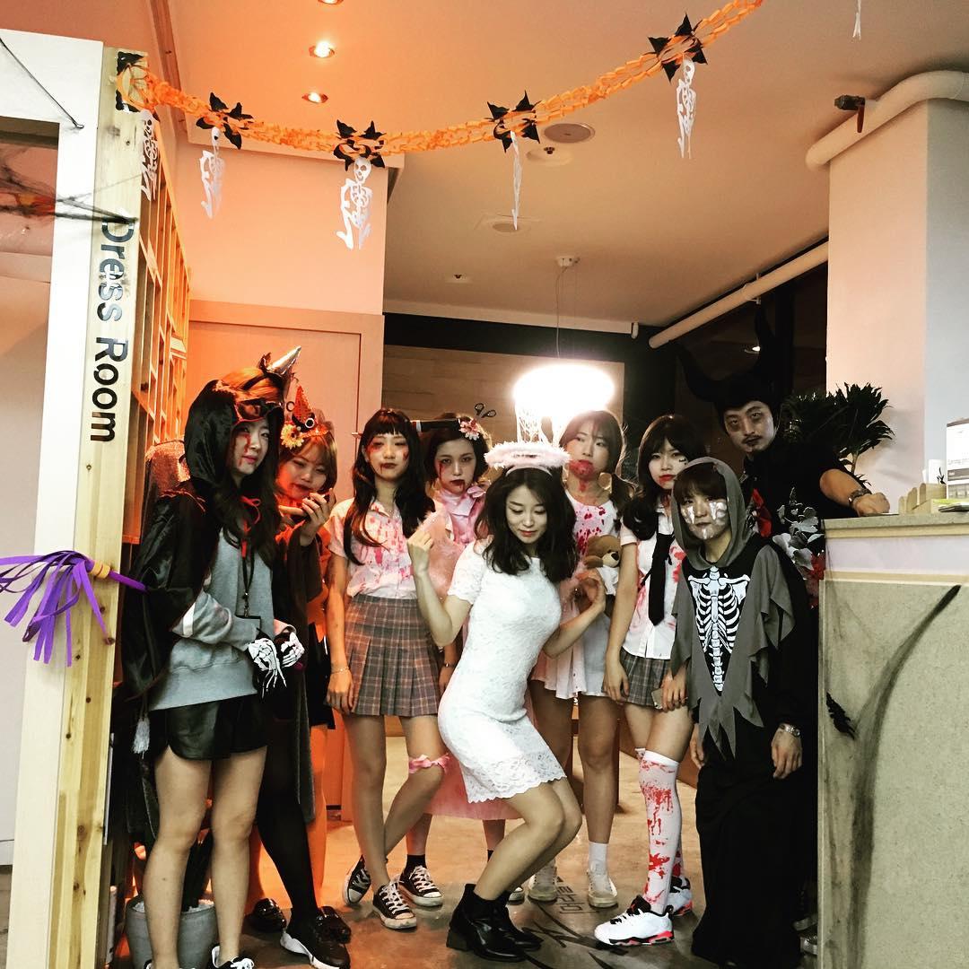 こちらは美容師の方々の今年のハロウィン!