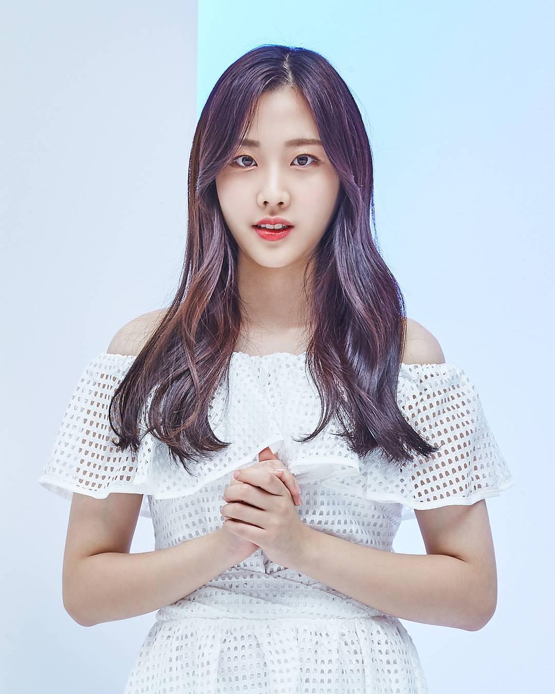나윤 Nayun