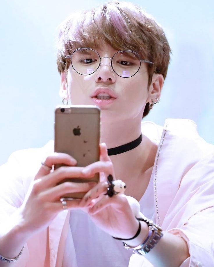Bts Jungkook Glasses Wallpaper: BTSジョングクが好きな女性のタイプを分析!グク好みのメイクに挑戦しよう☆