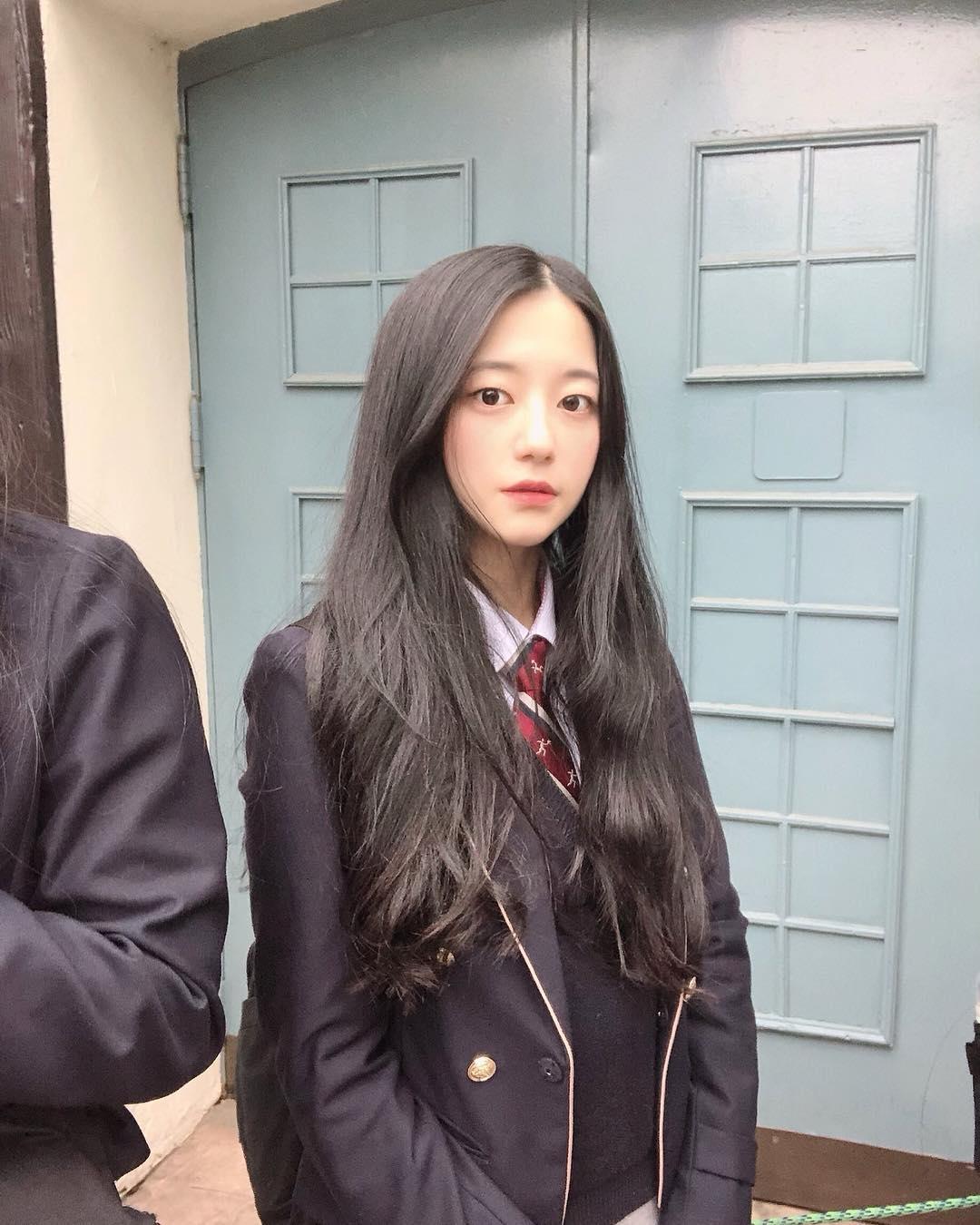 韓国女子高生 韓国人の女子高生の写真ですが、ネトウヨの加工ですか? - 加工 ...
